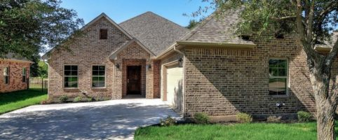 2932 Preston Club Drive | $262,900 | 3 Bdrm | 3 Bath | 2,239 Sq. Ft.
